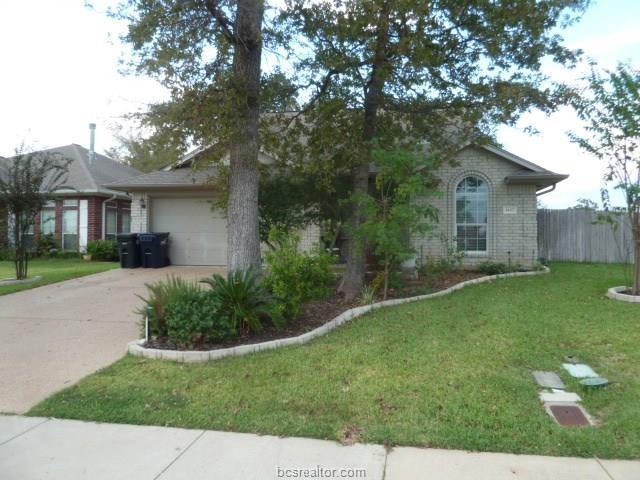 1457 Fincastle, College Station, TX 77845 (MLS #18003305) :: Cherry Ruffino Realtors