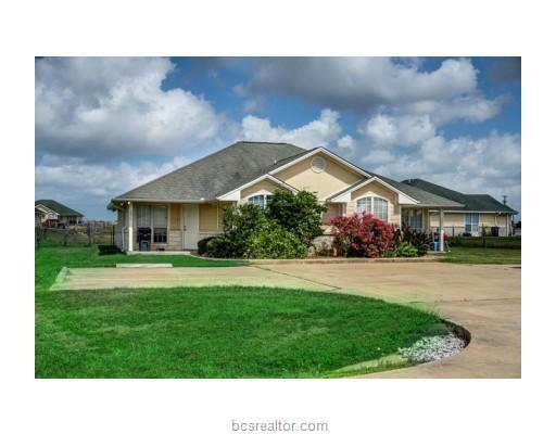 1211 Flying Ace Circle, College Station, TX 77845 (MLS #18004373) :: The Tradition Group