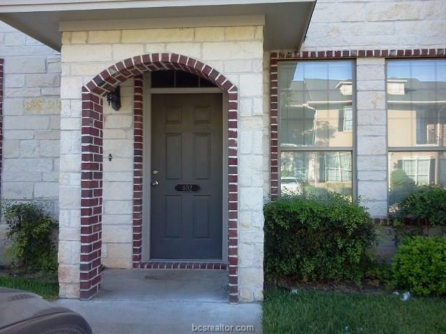 402 Forest Drive #402, College Station, TX 77840 (MLS #18004608) :: The Lester Group