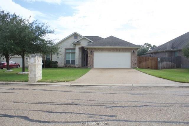 2205 Carlisle Court, College Station, TX 77845 (MLS #18006462) :: Cherry Ruffino Realtors