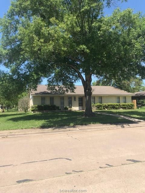 700 Matous Drive, Bryan, TX 77802 (MLS #18007317) :: The Tradition Group
