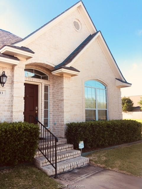 613 Fraternity, College Station, TX 77845 (MLS #18007506) :: The Tradition Group