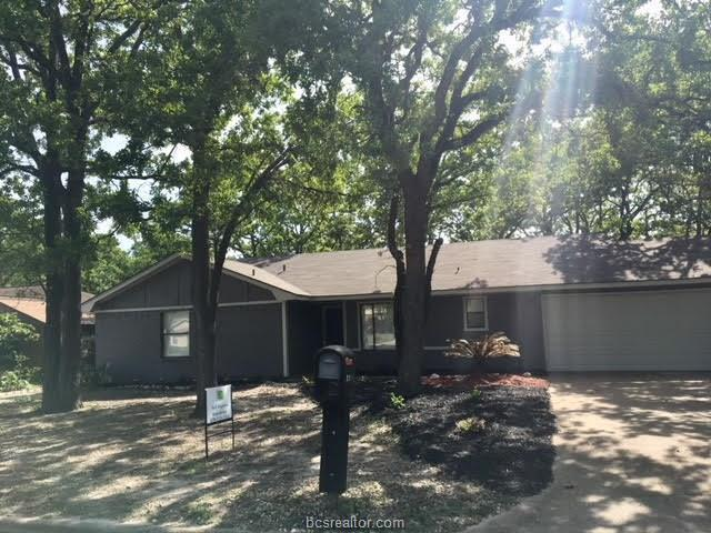 2916 Forestwood Drive, Bryan, TX 77801 (MLS #18007519) :: The Tradition Group
