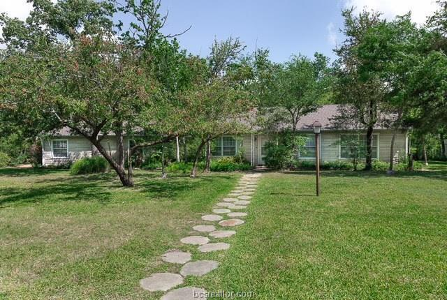 728 S Rosemary Drive, Bryan, TX 77802 (MLS #18009679) :: The Lester Group
