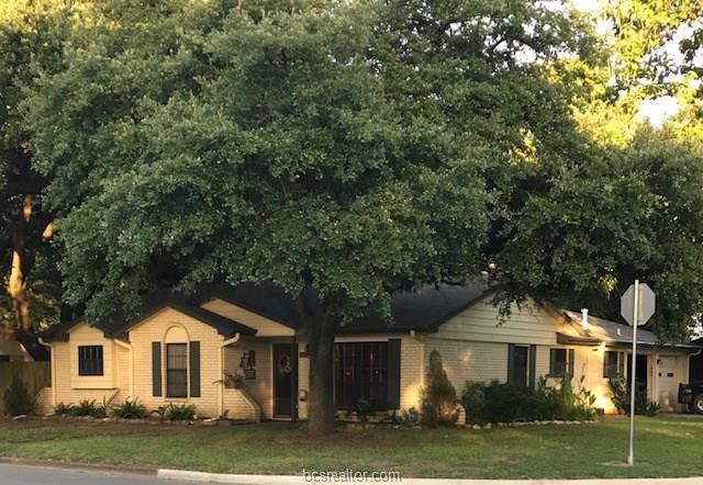 405 Rose Marie, Hearne, TX 77859 (MLS #18012452) :: Cherry Ruffino Realtors