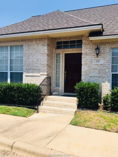 217 Fraternity Row, College Station, TX 77845 (MLS #18012456) :: Treehouse Real Estate