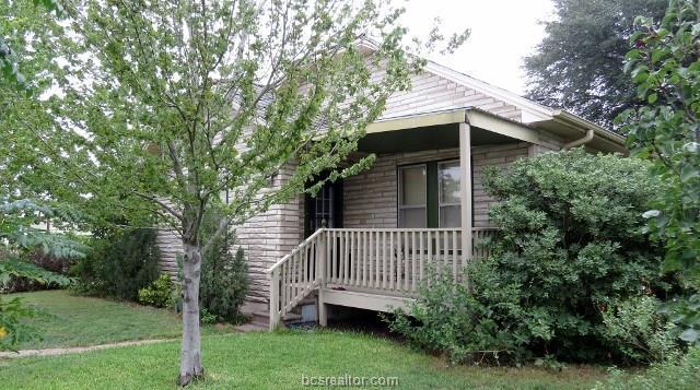 305 N Orchard, Cameron, TX 76520 (MLS #18015940) :: RE/MAX 20/20