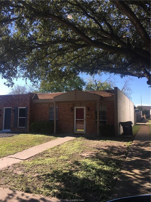 1702 Leona Drive, College Station, TX 77840 (MLS #18018554) :: Cherry Ruffino Team