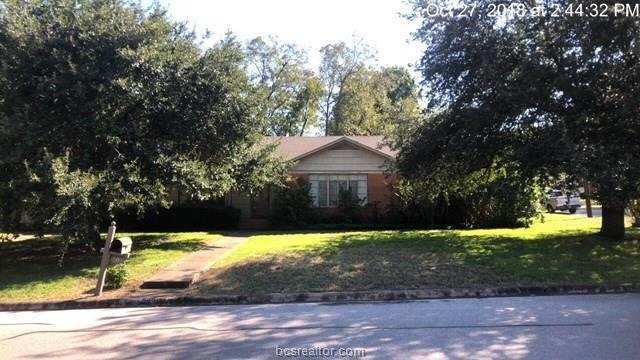 609 West Lubbock, Brenham, TX 77833 (MLS #18018859) :: RE/MAX 20/20