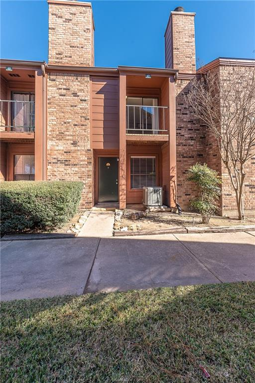 904 University Oaks #47, College Station, TX 77840 (MLS #18019351) :: Cherry Ruffino Team