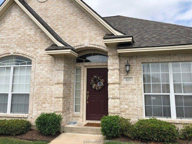 123 Fraternity Row Road #54, College Station, TX 77845 (MLS #19000023) :: BCS Dream Homes