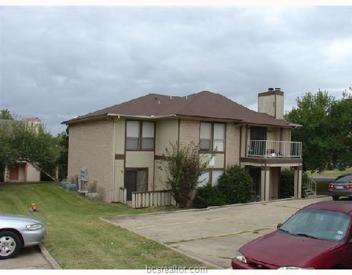 1007 Spring Loop D, College Station, TX 77840 (MLS #19002323) :: The Shellenberger Team