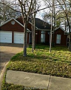 1117 Bayou Woods Drive, College Station, TX 77840 (MLS #19002433) :: Treehouse Real Estate
