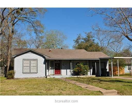 716 Enfield Street, Bryan, TX 77802 (MLS #19007906) :: The Lester Group