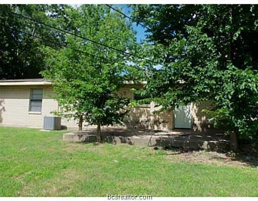 2305 Truman Street, Bryan, TX 77801 (MLS #19011147) :: RE/MAX 20/20