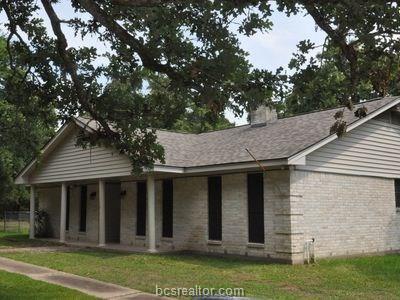 10613 Deer Run, College Station, TX 77845 (MLS #19012220) :: The Shellenberger Team