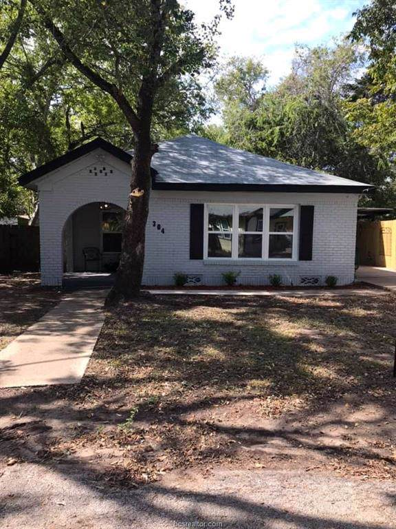 304 Brogdon Street, Bryan, TX 77803 (MLS #19017046) :: Chapman Properties Group