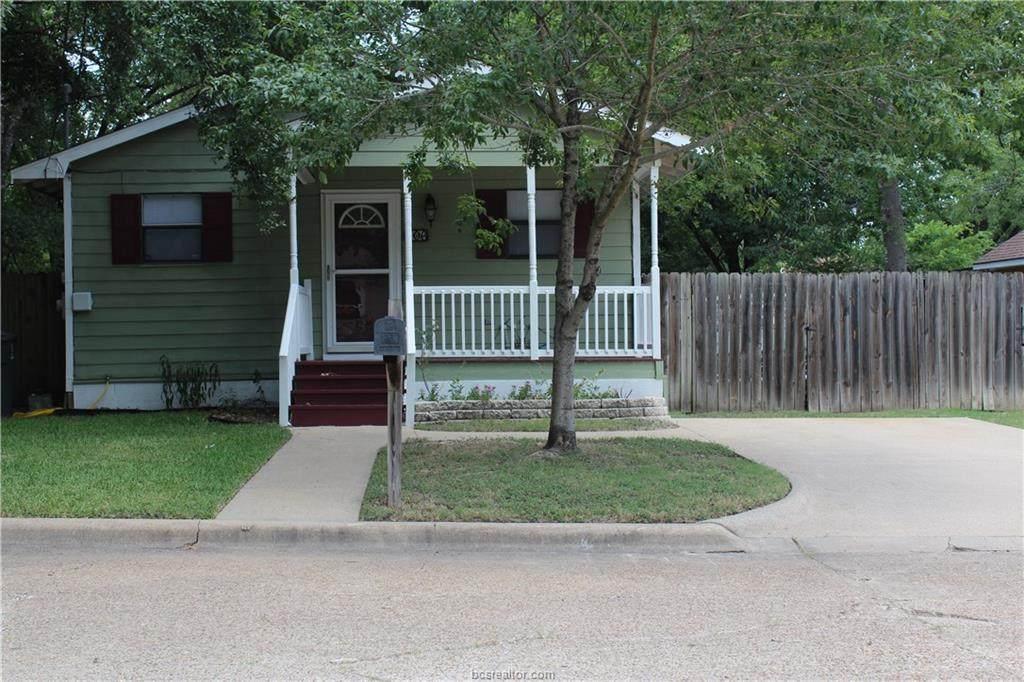 906 Travis Street - Photo 1
