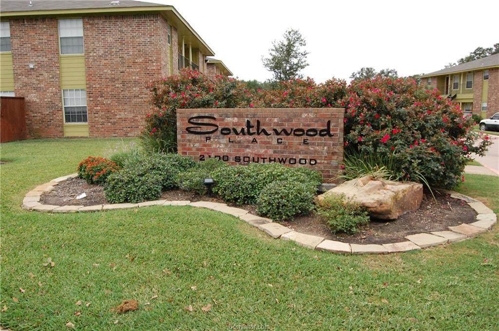 2100 Southwood Drive - Photo 1