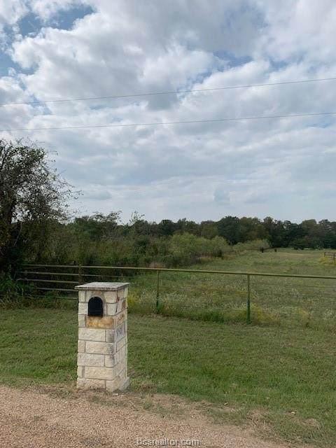 13670 Fm 4038, Snook, TX 77878 (MLS #20016797) :: BCS Dream Homes