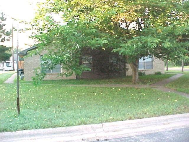 702 Vassar Court - Photo 1