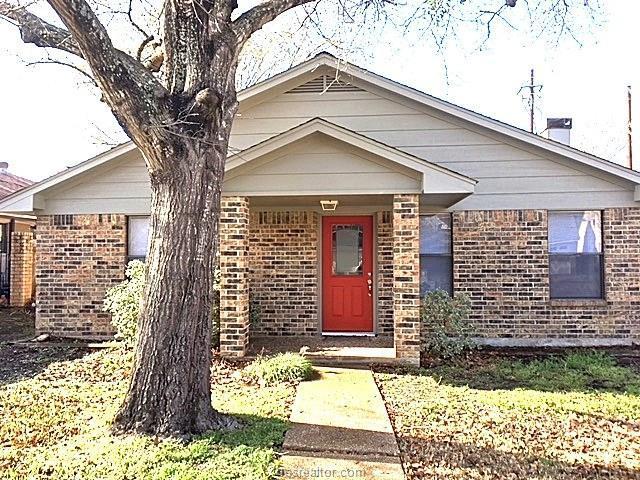 2809 Broadmoor Drive, Bryan, TX 77802 (MLS #18002963) :: Cherry Ruffino Realtors