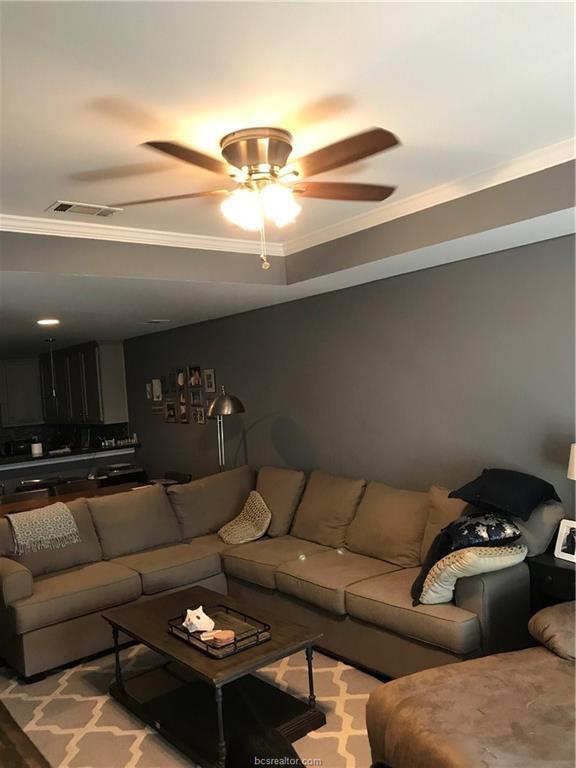 2017 Colgate Drive, College Station, TX 77840 (MLS #18016104) :: RE/MAX 20/20