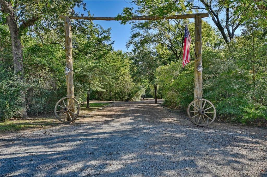 13055 Hunters Creek Road - Photo 1