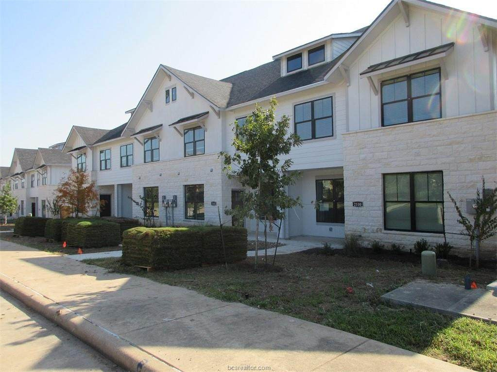 2104 Crescent Pointe Parkway - Photo 1