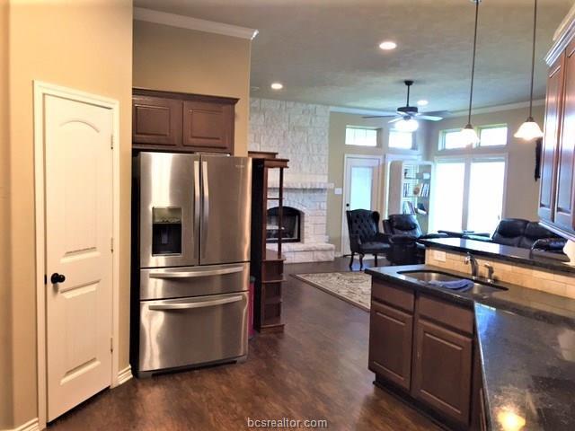 914 Dove Run Trl, College Station, TX 77845 (MLS #18016204) :: BCS Dream Homes