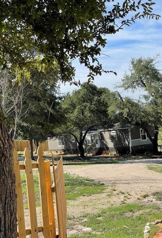 8284 Clyde Lane, Brenham, TX 77833 (MLS #21013778) :: Treehouse Real Estate