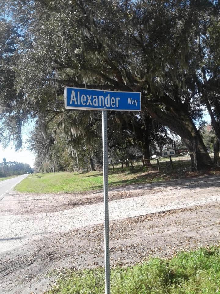 32 Alexander Way - Photo 1