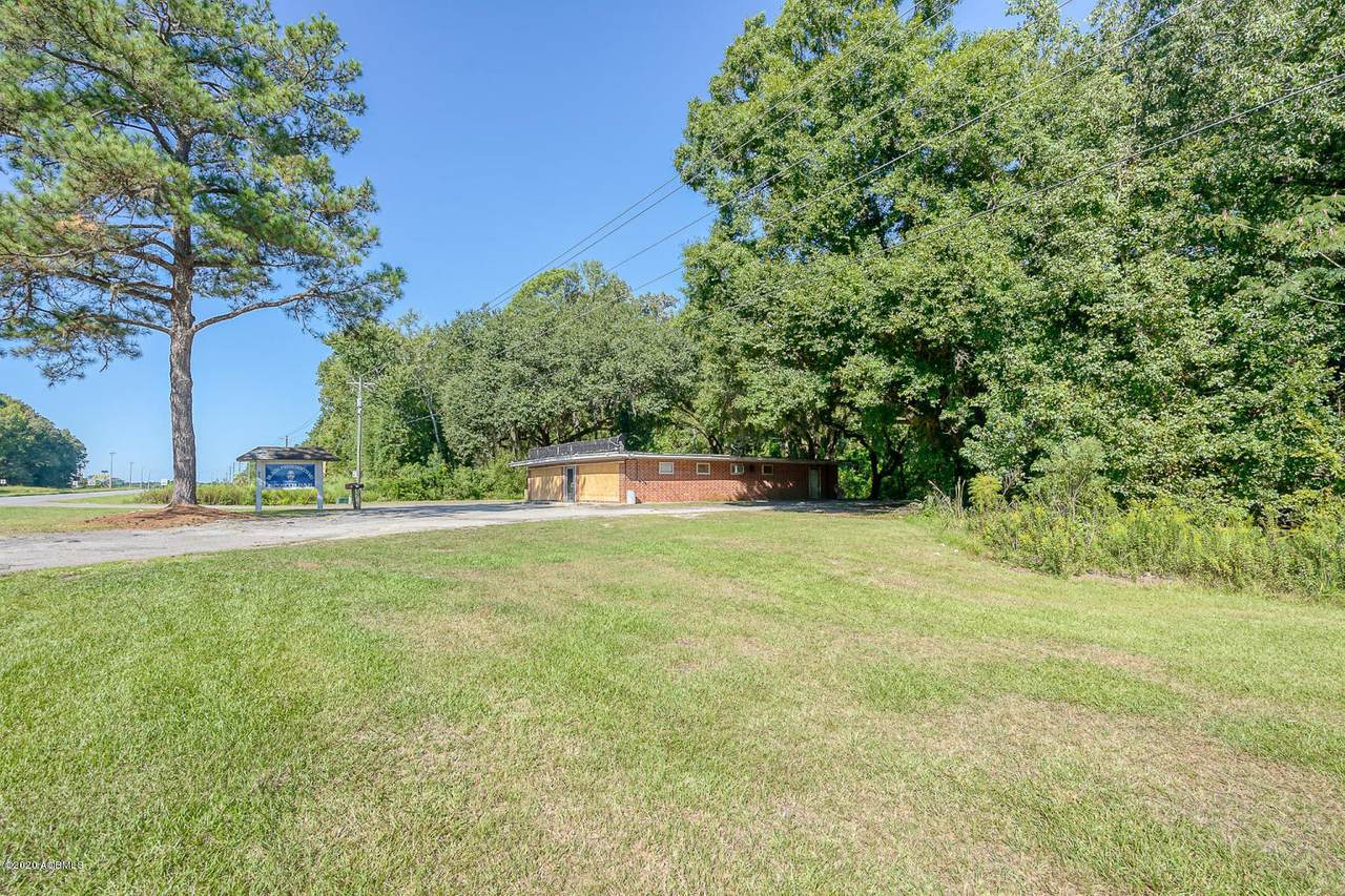 959 Kings Highway - Photo 1