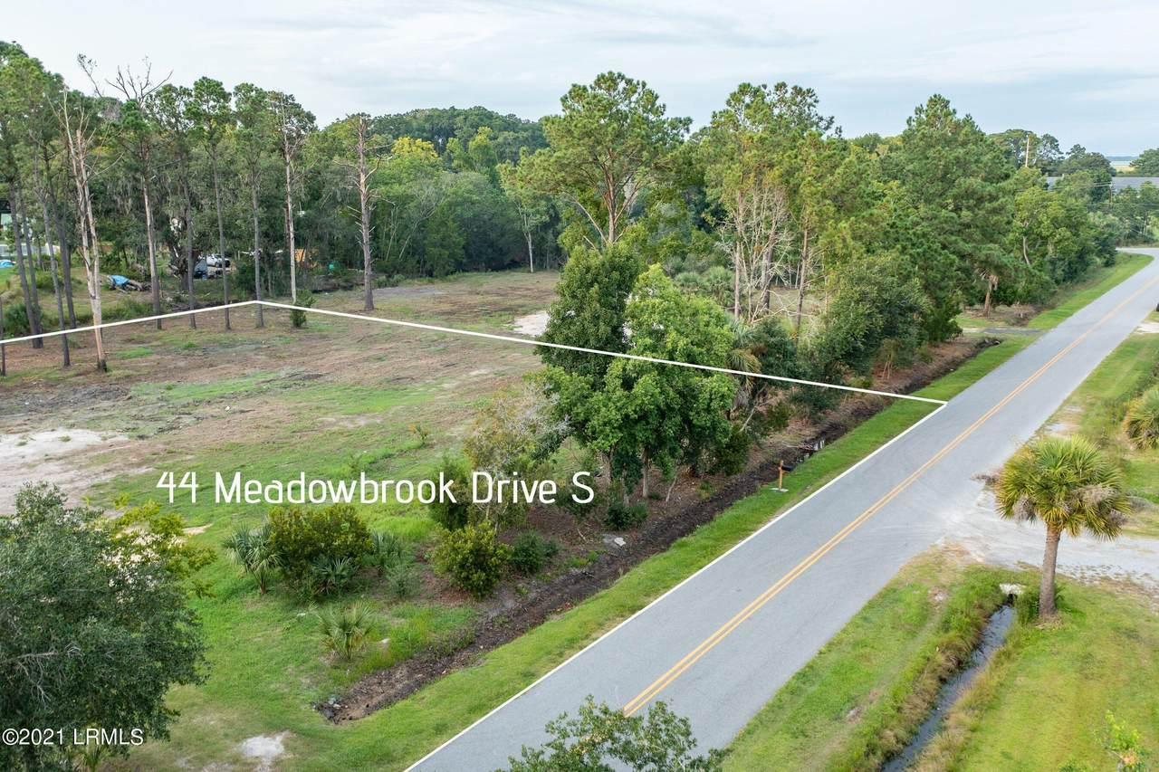 44 Meadowbrook Drive - Photo 1