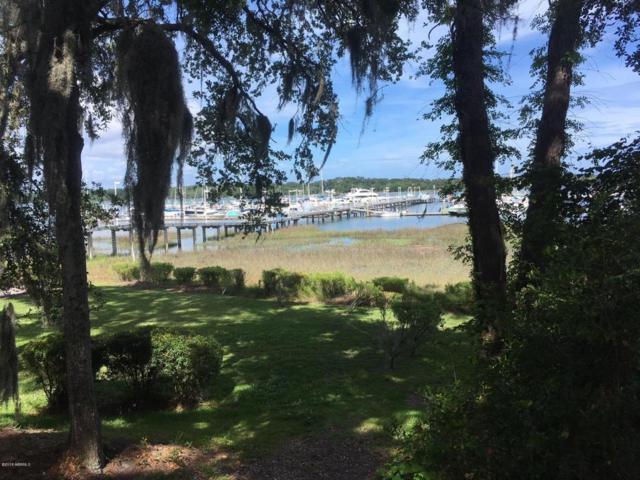 19 Mariners Court, Port Royal, SC 29935 (MLS #157240) :: RE/MAX Coastal Realty
