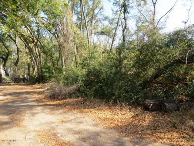 11 Adell Lane, Hilton Head Island, SC 29926 (MLS #161504) :: RE/MAX Coastal Realty