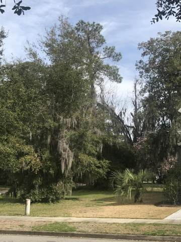 139 Willow Point Road, Beaufort, SC 29906 (MLS #165139) :: Shae Chambers Helms | Keller Williams Realty