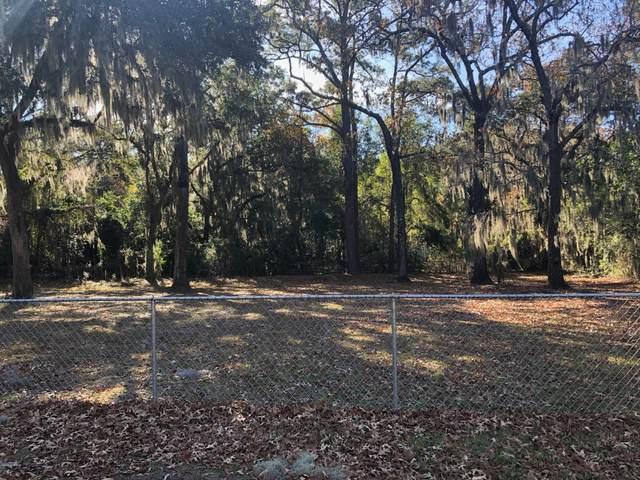 2502 Black Oak Circle, Beaufort, SC 29902 (MLS #166150) :: Shae Chambers Helms | Keller Williams Realty