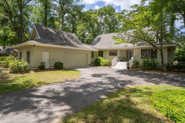 530 Island Circle E, Dataw Island, SC 29920 (MLS #166286) :: Shae Chambers Helms | Keller Williams Realty