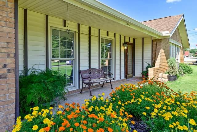 2213 Salem Drive E, Beaufort, SC 29902 (MLS #167076) :: Shae Chambers Helms | Keller Williams Realty