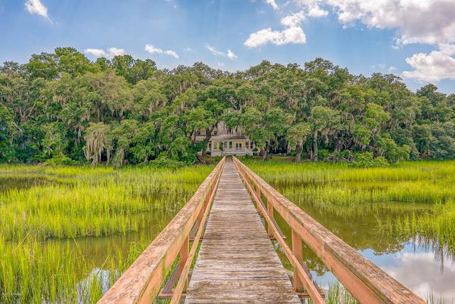 20 E River Drive, Beaufort, SC 29907 (MLS #167569) :: Coastal Realty Group