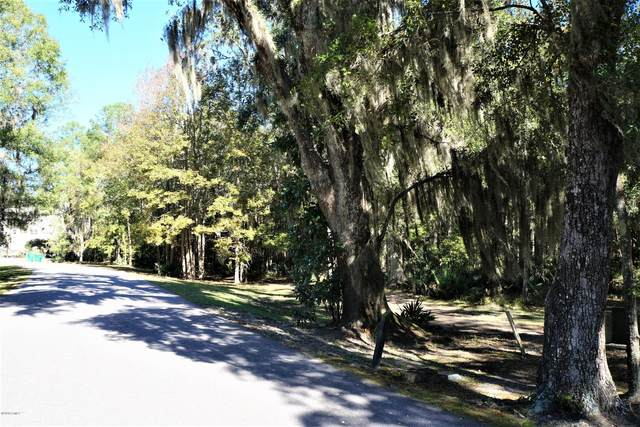 38 Rose Dhu Creek Plantation Drive, Bluffton, SC 29910 (MLS #168817) :: Coastal Realty Group