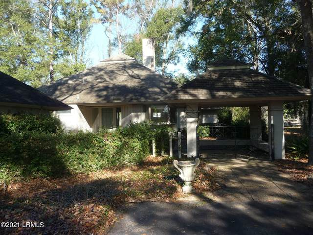 526 Island Circle E, St. Helena Island, SC 29920 (MLS #169489) :: Shae Chambers Helms | Keller Williams Realty
