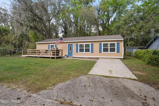 3 Twin Lakes Road, Beaufort, SC 29902 (MLS #170593) :: Coastal Realty Group
