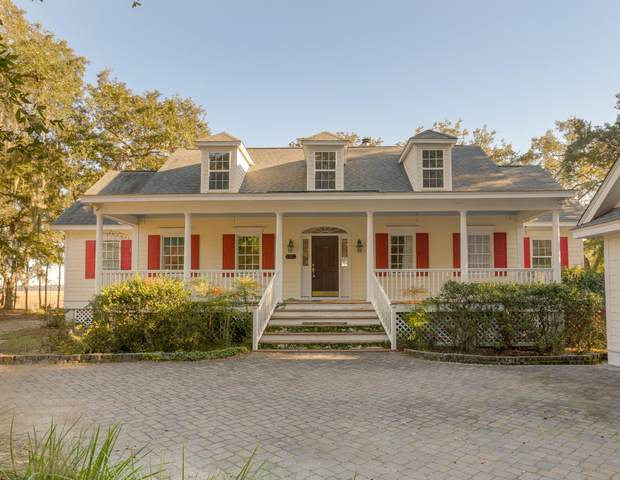 34 Piccadilly Circle, Lady's Island, SC 29907 (MLS #170697) :: Shae Chambers Helms   Keller Williams Realty