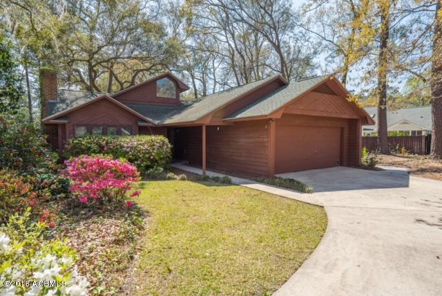 8 Chesterfield Drive, Beaufort, SC 29906 (MLS #156244) :: RE/MAX Island Realty