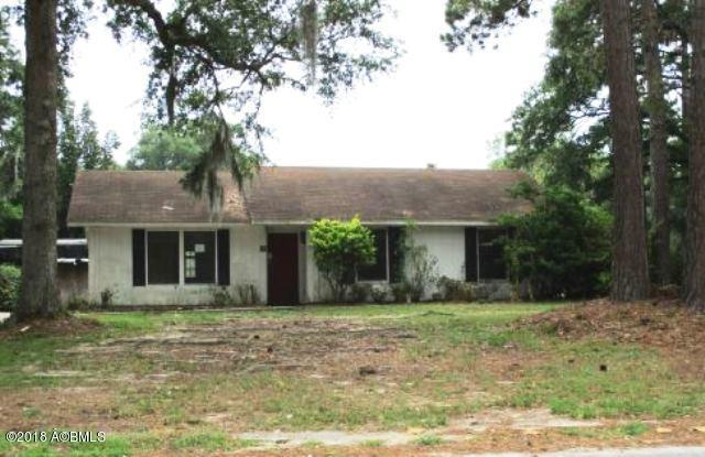 3001 Dogwood Street, Beaufort, SC 29906 (MLS #158089) :: RE/MAX Coastal Realty
