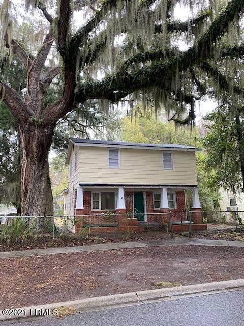1111 Greene Street, Beaufort, SC 29902 (MLS #169800) :: Shae Chambers Helms | Keller Williams Realty