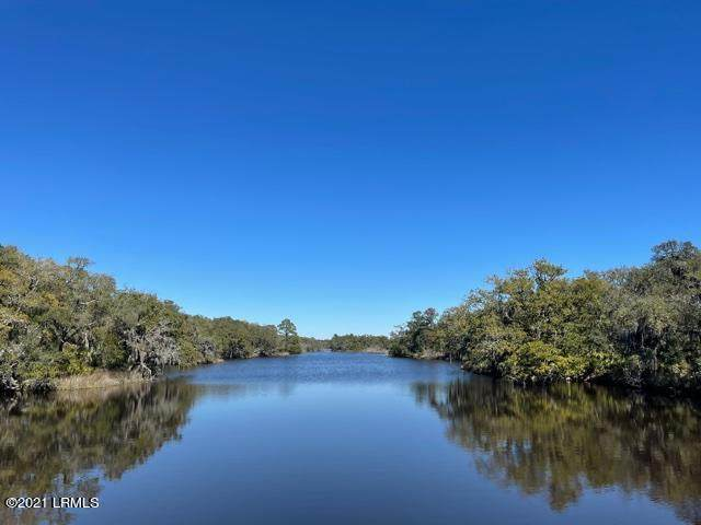 5 Stripland Way, St. Helena Island, SC 29920 (MLS #170037) :: RE/MAX Island Realty