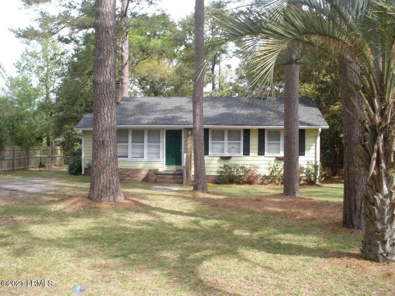 2419 Pine Court - Photo 1